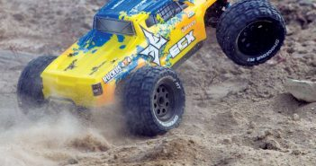Circuit-and-Ruckus-4X4-Brushless-1